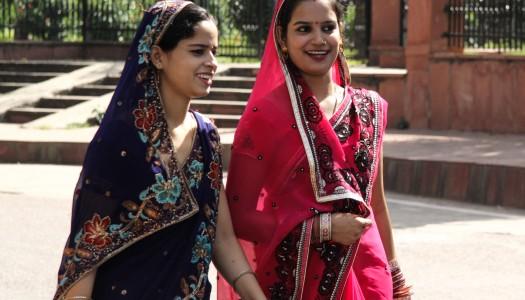 Indie – kobiety barwne jak motyle