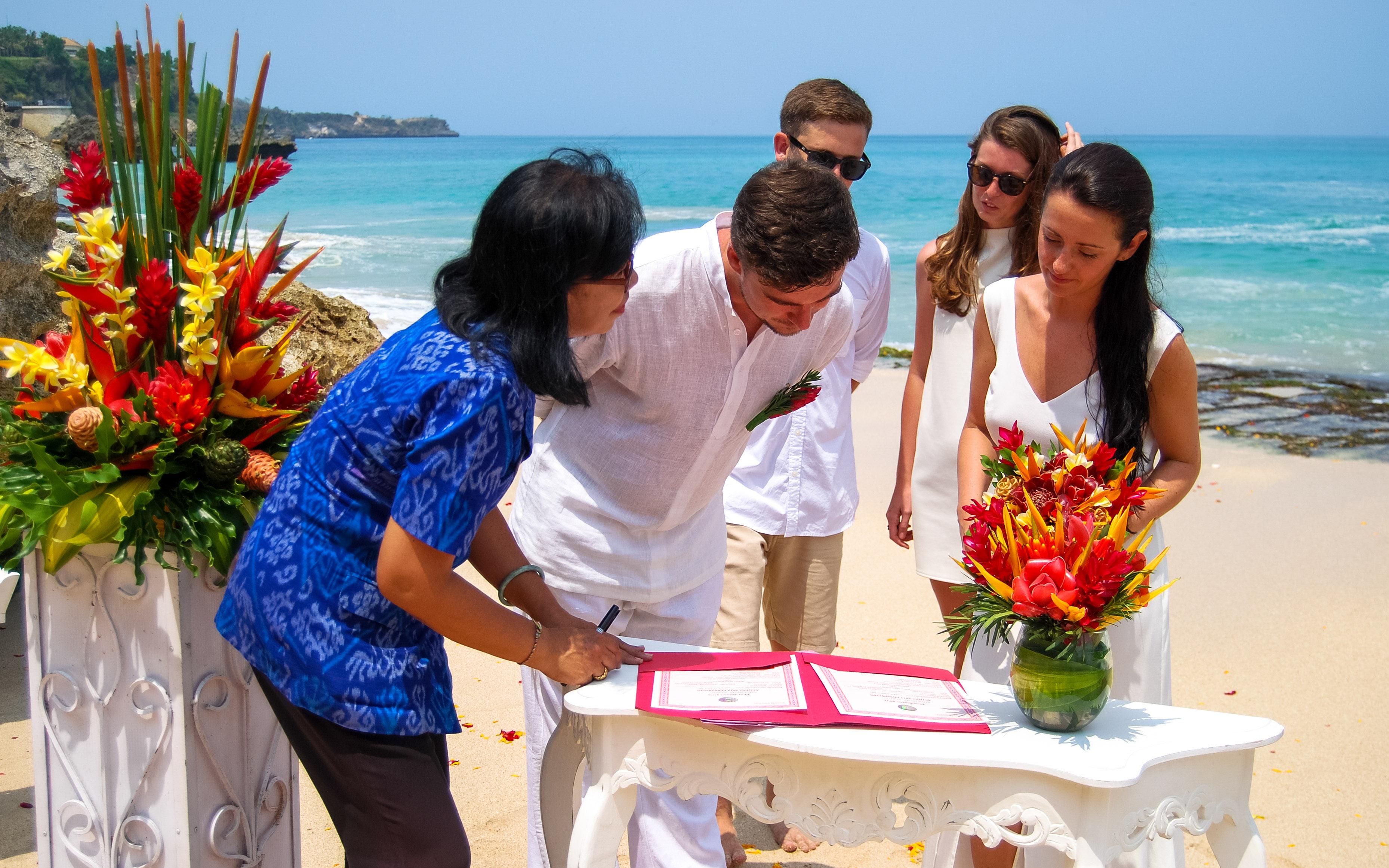 fbf816454c Do zawarcia małżeństwa na Bali będziecie potrzebować następujących  dokumentów