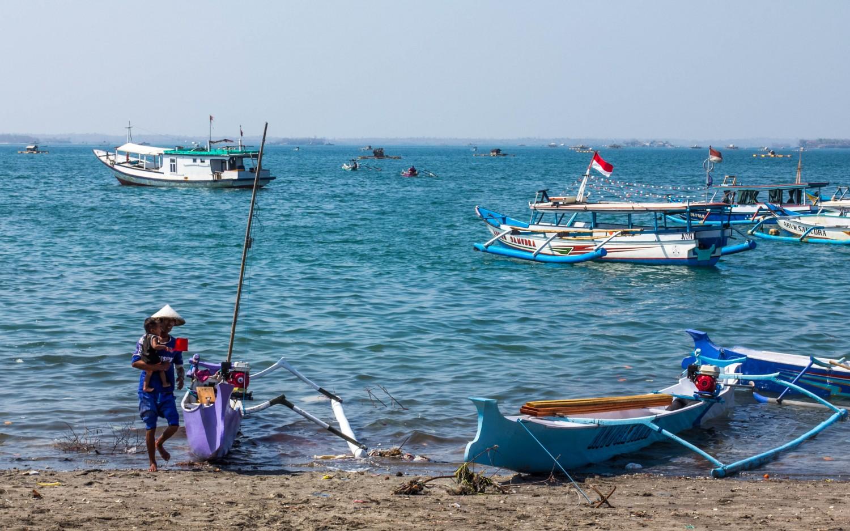 Lombok port harbor (1)