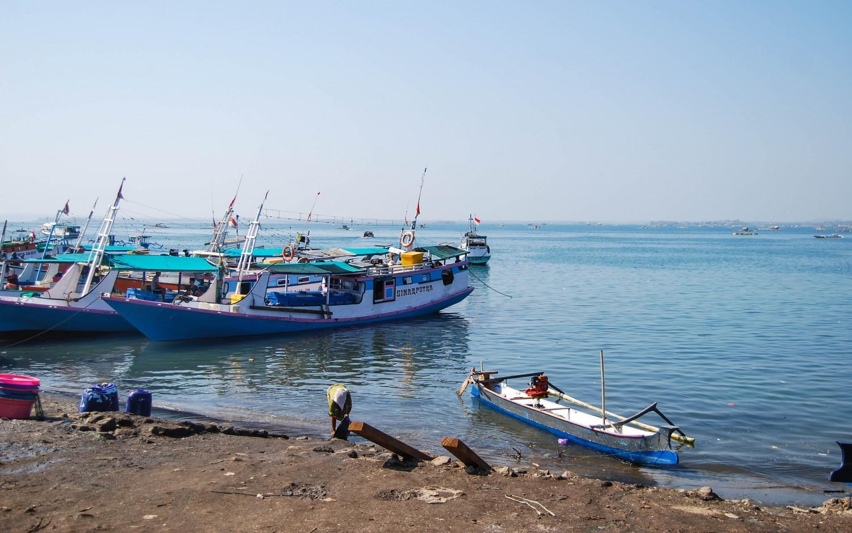 Lombok port harbor (2)