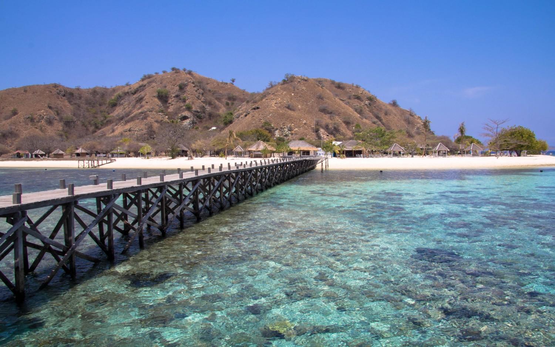 Labuan Bajo Kanawa Island (3)