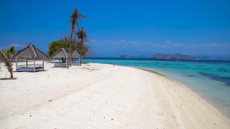 Labuan Bajo Kanawa Island (6)